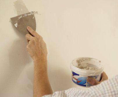 reboucher un trou dans un mur placo