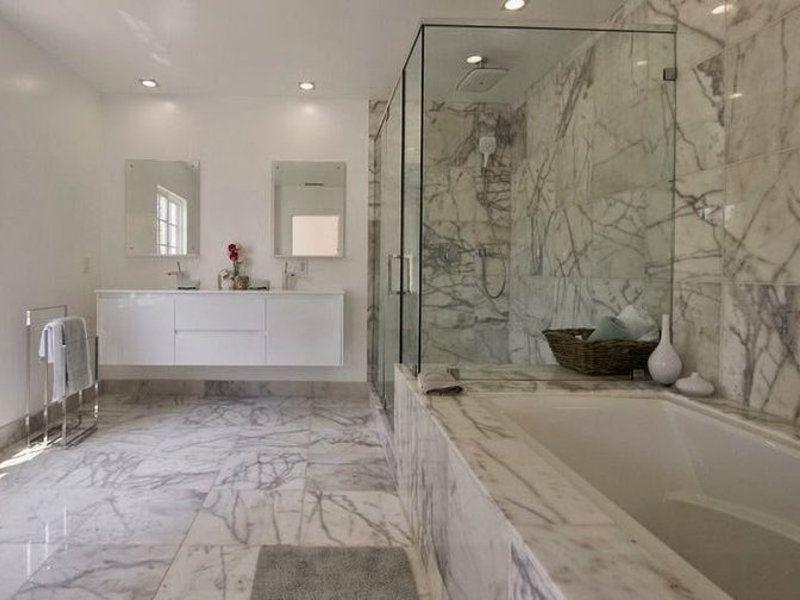 salle de bain matériaux marbre