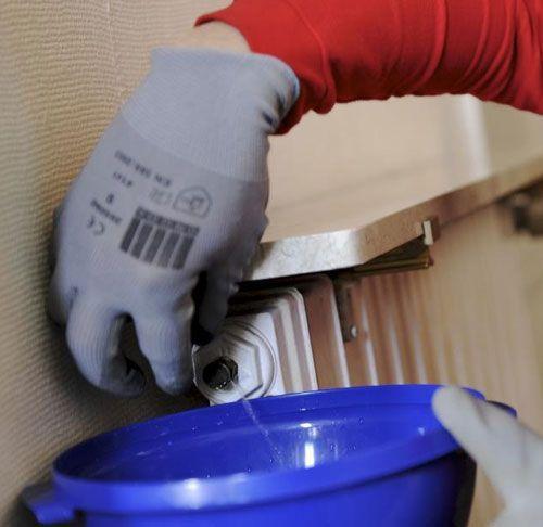 toutes les astuces pour purger votre radiateur distriartisan. Black Bedroom Furniture Sets. Home Design Ideas