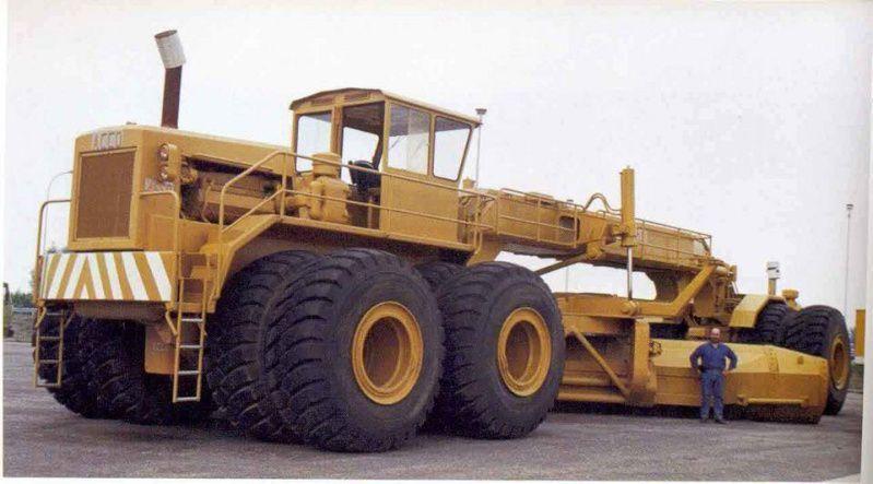 Top 10 des plus gros engins de chantier du monde for Cat 24h motor grader